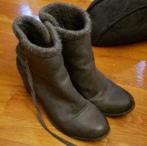 Fleece lined roxy heel booties